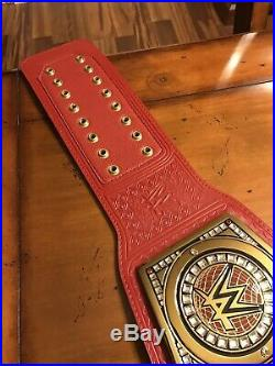 WWE Authentic Universal Championship Belt