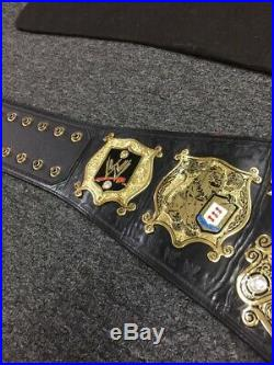 WWE UNDISPUTED Championship Title Belt version 1 figures SIGNED BY HULK HOGAN