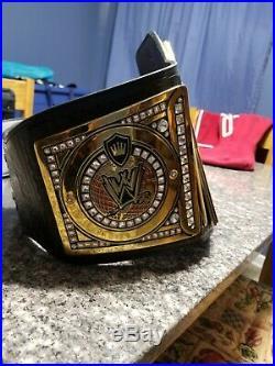 WWE World Heavyweight Championship Replica Title Belt (2013)