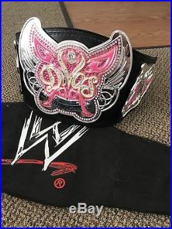 Wrestling OFFICIAL TM WWE DIVAS Championship Pink Butterfly Replica Belt