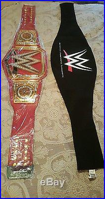 Wwe Universal Title Championship Belt. Authentic. Carrying Cloth